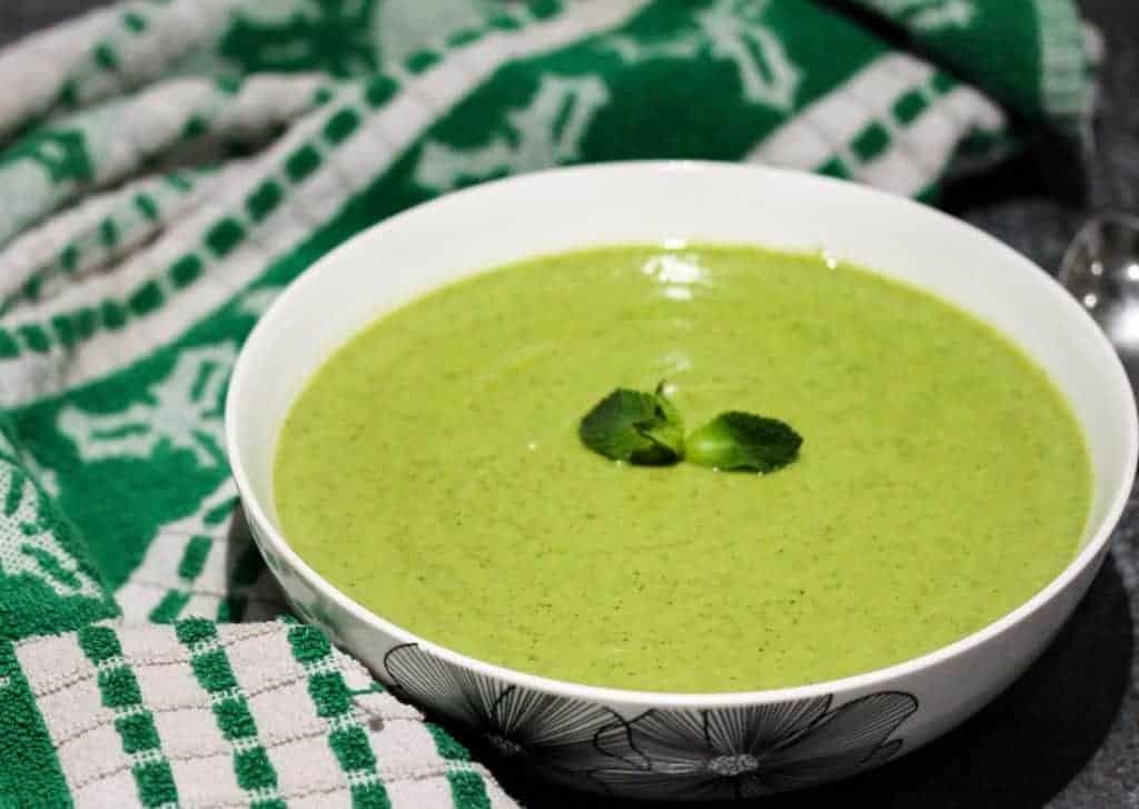 broccoli-pea-and-mint-soup