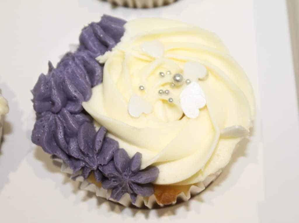9-cupcake-decorating-tips-plus-vanilla-buttercream-recipe-22-1