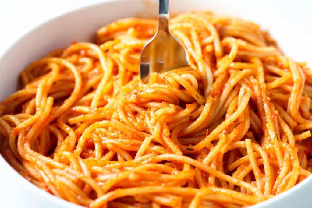 vegan-roasted-red-pepper-spaghetti-
