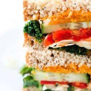 vegan-sweet-potato-and-red-pepper-sandwich.