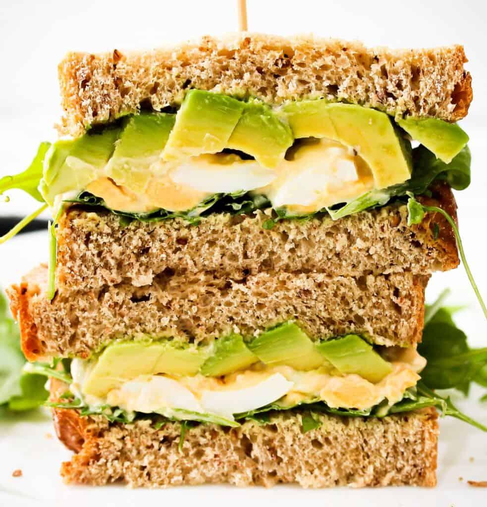 avocado-and-egg-breakfast