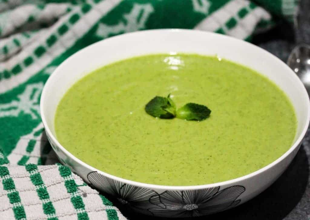 broccoli-pea-and-mint-soup a healthy lunch idea for meal prep