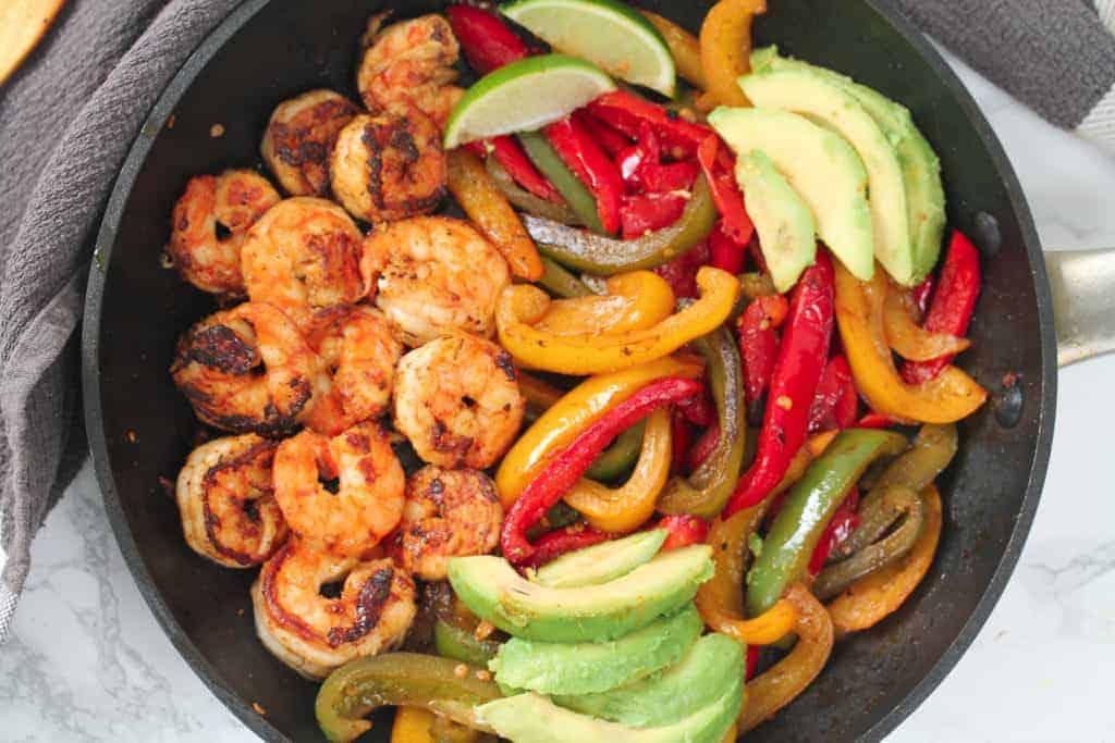 cajun-shrimp-fajita-pan a healthy lunch idea for meal prep