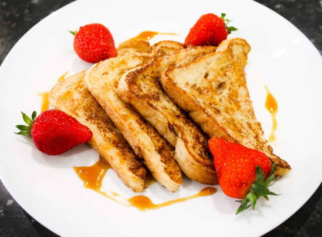 classic-fluffy-cinnamon-french-toast