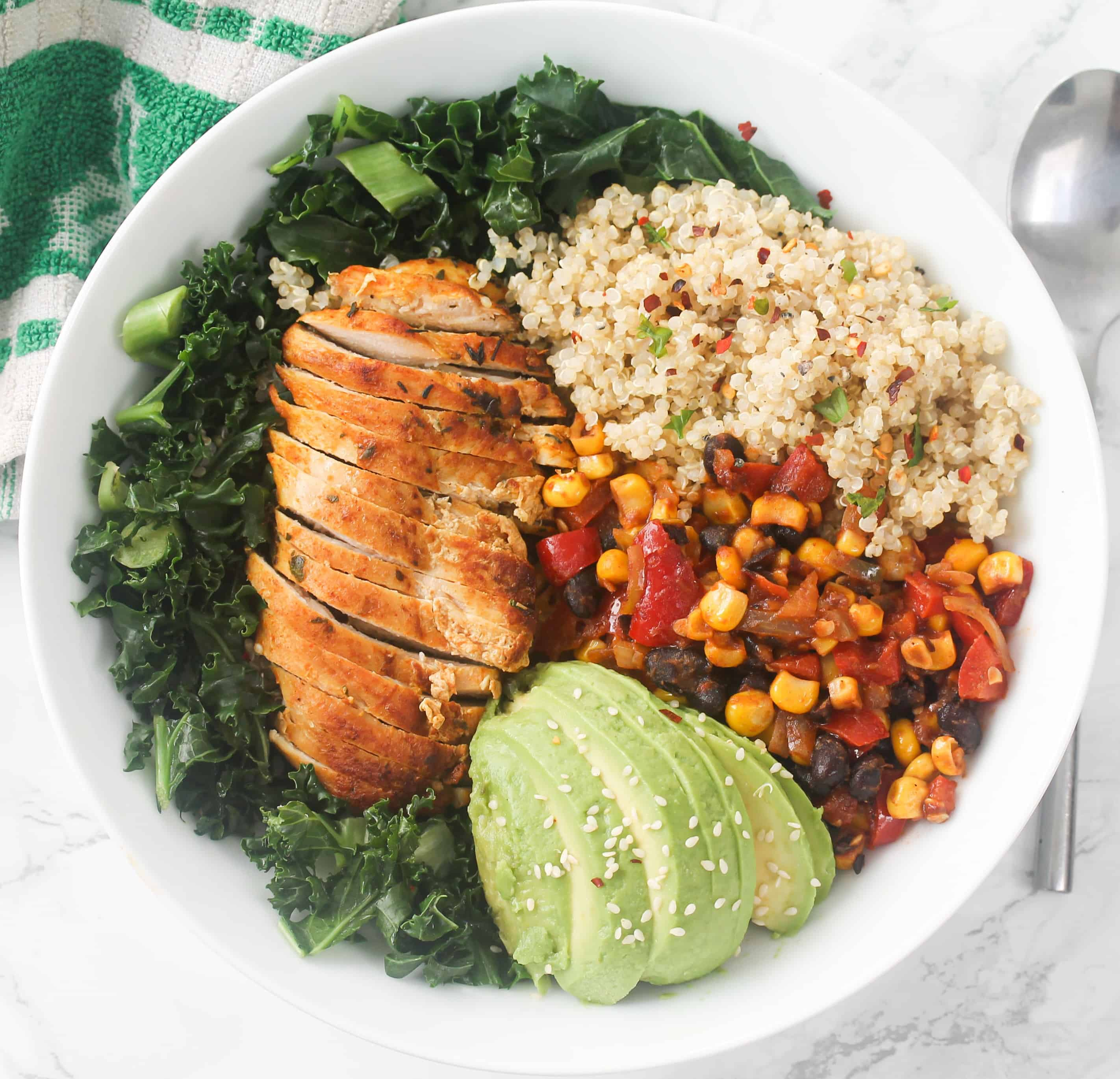 healthy-chicken-quinoa-vegetable-salad