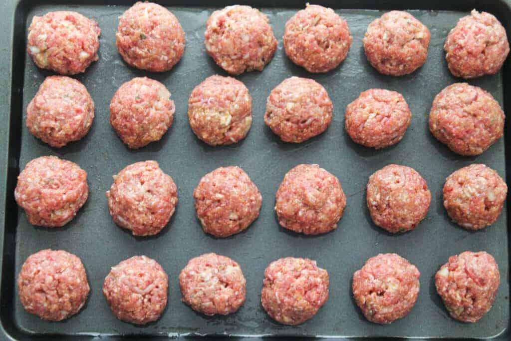 baked-meatballs-in-meatball-sauce