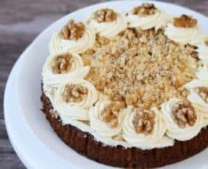 easy-moist-carrot-cake-recipe