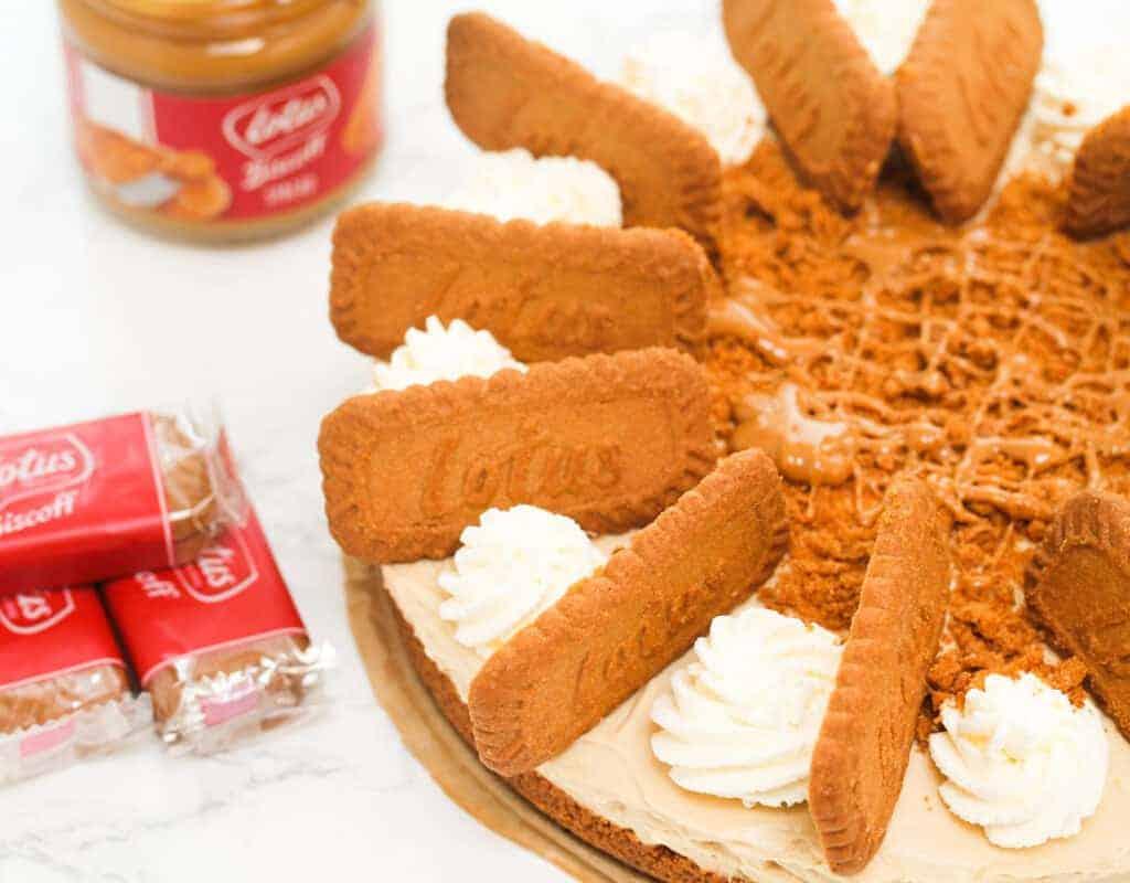 no-bake-lotus-biscoff-cheesecake