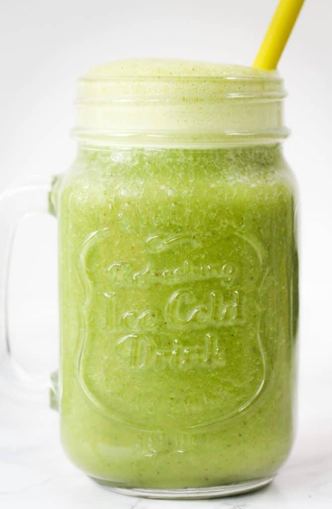 matcha-smoothie-drink
