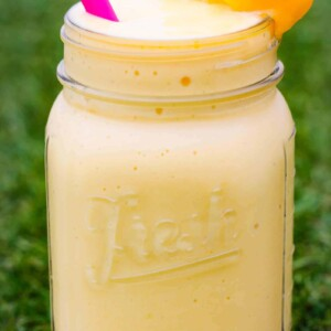 pineapple-smoothie-jar